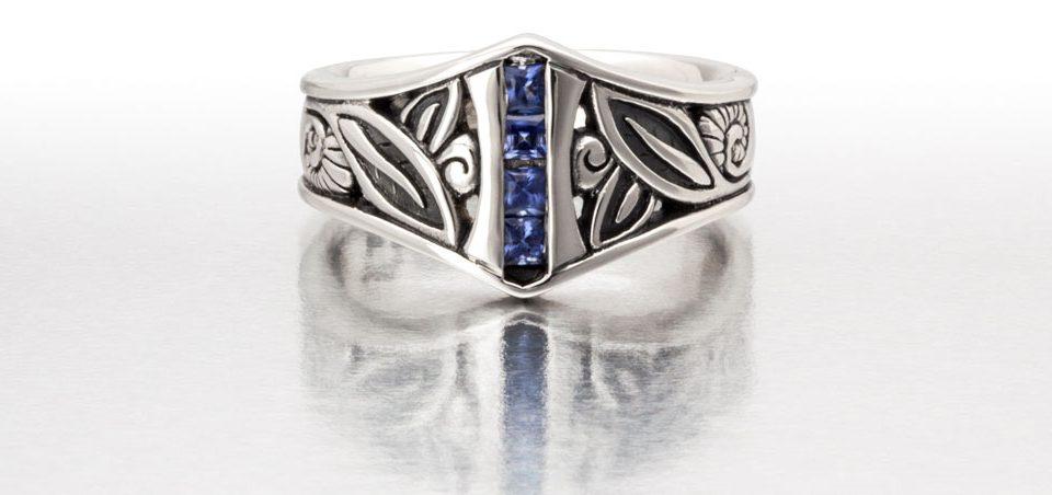 Conni Mainne platinum ring