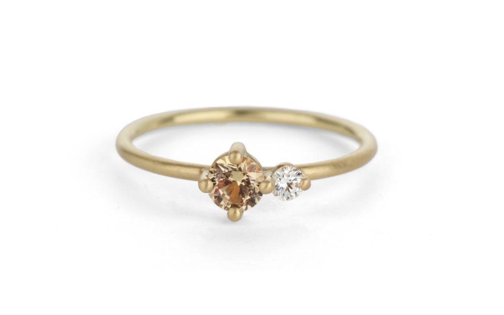 gold, white diamond, and yellow diamond ring