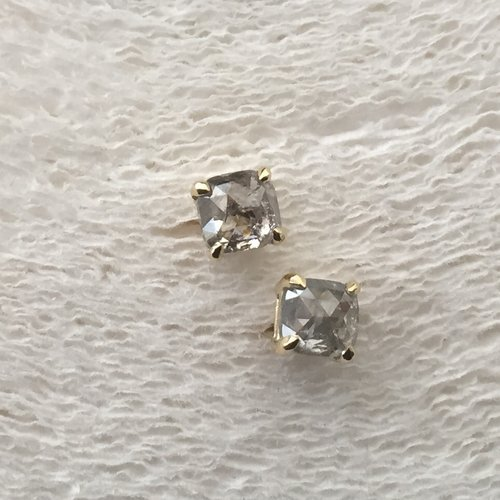 Petite Baleine Salt and Pepper Earrings